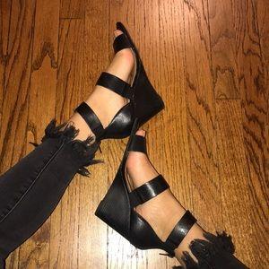 steve madden black wedged strappy heels